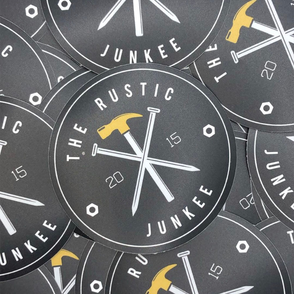 the-rustic-junkee-sticker-logo